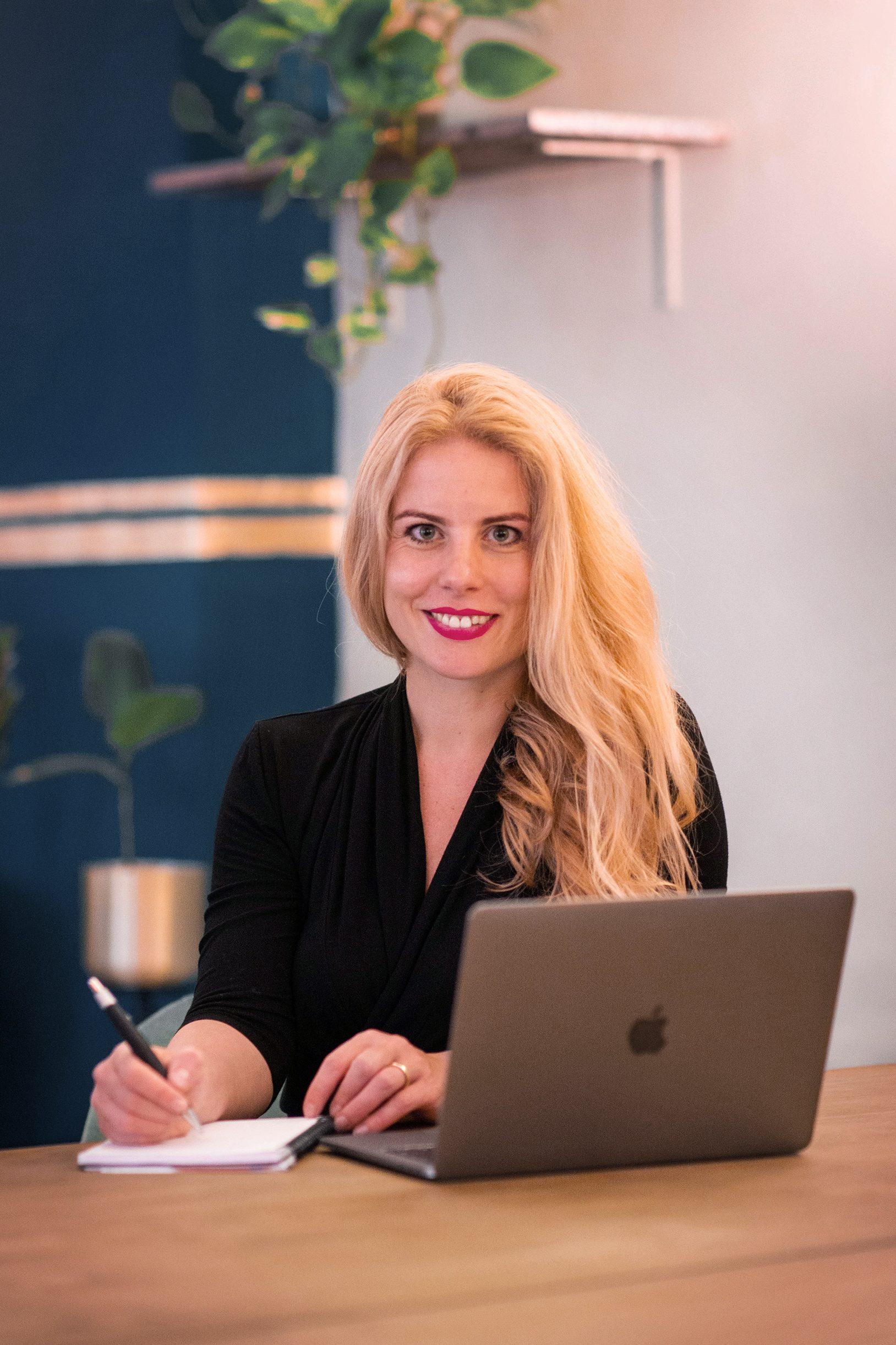 Aktien-Expertin Dr. Carmen Mayer